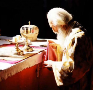 divine_liturgy_altar
